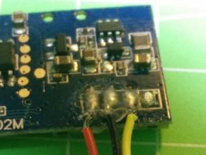 Detalle soldadura cables cámara X5