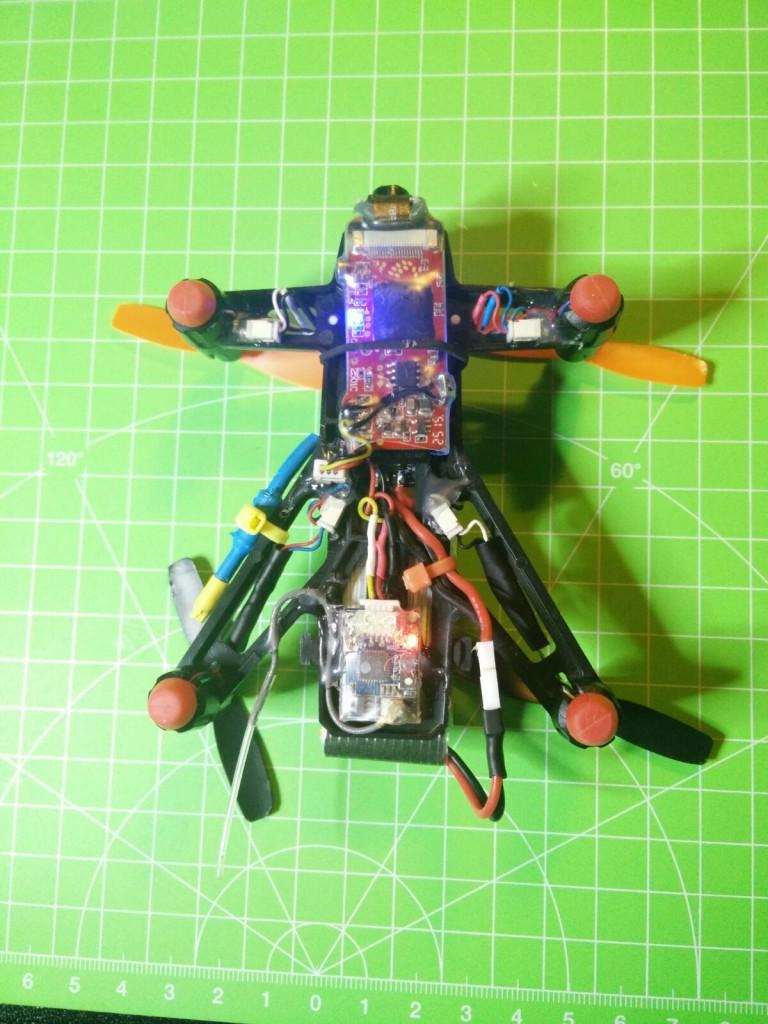 La cámara fijada al Kingkong Q100